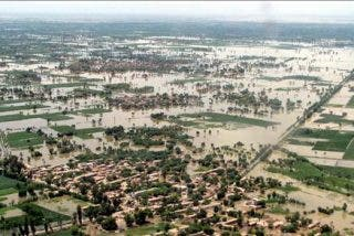 Más de 800 muertos, cien desaparecidos y un millón de afectados por las lluvias en Pakistán