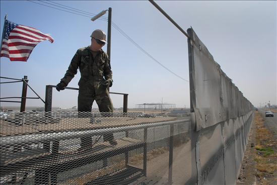 La Guardia Nacional de EE.UU. comienza el desembarco en la frontera con México