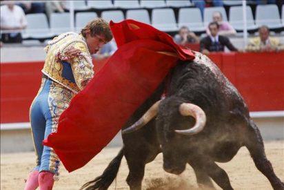 "Tendero reivindica ""la Fiesta"" en Barcelona indultando un toro de Valdefresno"