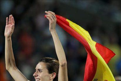 España sobrevive en Barcelona al primer estertor