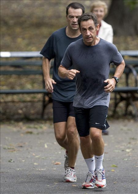Sarkozy, en forma tras someterse a un reconocimiento médico