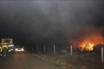 Sigue la vigilancia terrestre y aérea del fuego declarado en Arribes del Duero