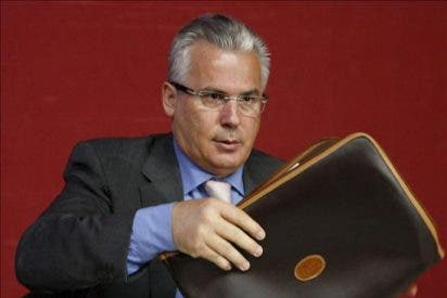 El juez Garzón critica la marginación de las víctimas de crímenes contra la humanidad