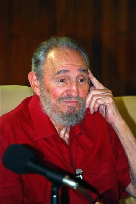Fidel Castro presentó su nuevo libro sobre la victoria en Sierra Maestra