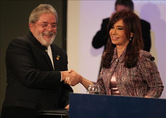 El fútbol se cuela de nuevo en la Cumbre con el pronóstico de Lula para Brasil en 2014
