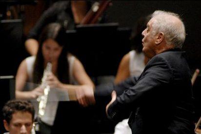 Barenboim comienza su gira con el debut de la orquesta Al Andalus