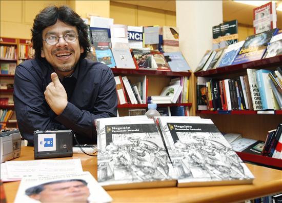 El escritor peruano Fernando Iwasaki.