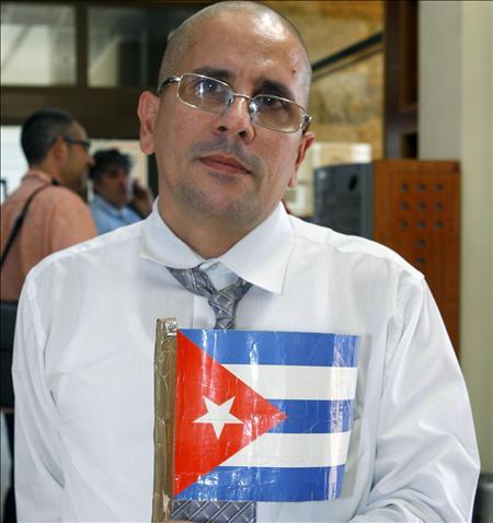 Disidente cubano que llegará hoy a Chile ya tiene casa y ofertas de empleo