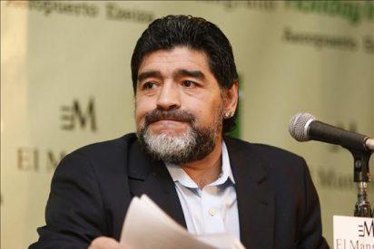 """La AFA niega """"cualquier"""" versión sobre un nuevo seleccionador tras la ida de Maradona"""