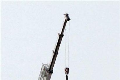 Defensa retira en Melilla la última estatua ecuestre de Franco que había en el país