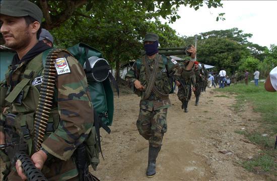Venezuela no coopera y las FARC y el ELN usan su territorio, dice un informe de EE.UU.