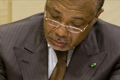 """El Fondo para la Niñez """"Nelson Mandela"""" niega tener diamantes de Charles Taylor"""