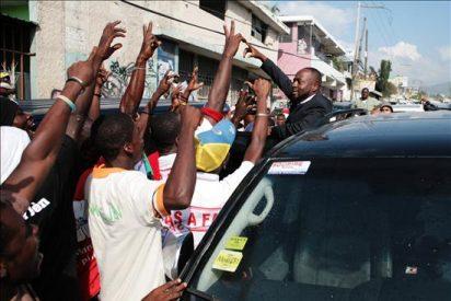 El cantante haitiano Wyclef Jean inscribe su candidatura presidencial