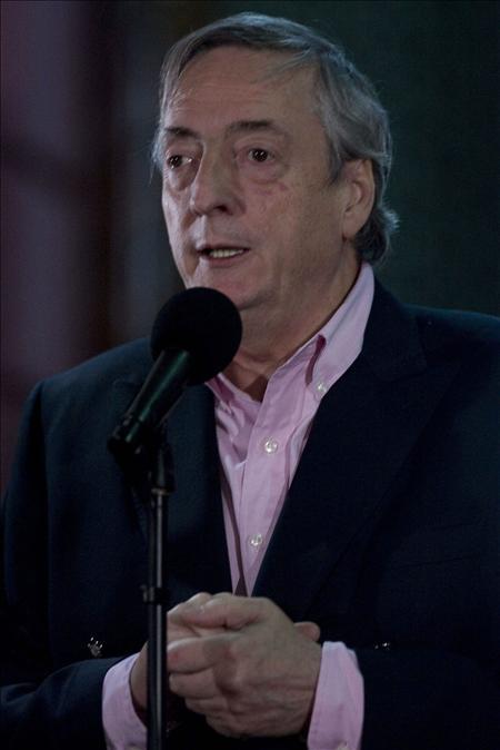 Kirchner inicia su primera gestión mediadora al frente de la Unasur