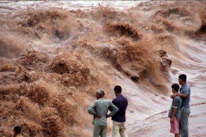 Mueren 44 personas por las inundaciones en la Cachemira india
