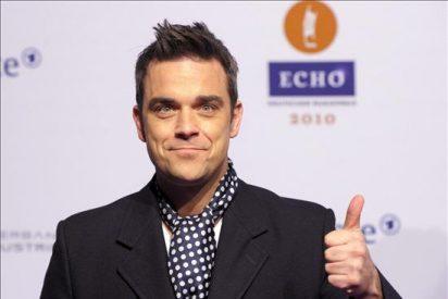 Robbie Williams se casará mañana con la actriz estadounidense Ayda Field