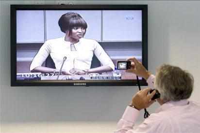 """La Policía sudafricana tiene tres """"diamantes de sangre"""" de Naomi Campbell"""