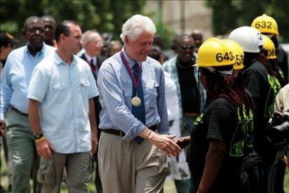 Clinton lanzó un programa de reconstrucción de escuelas en Haití