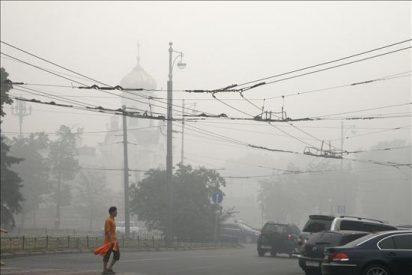 Varias embajadas evacúan a su personal mientras aumenta el número de incendios en Rusia