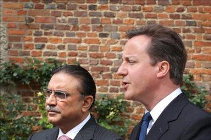 Zardari termina su polémica visita al Reino Unido con un discurso a sus correligionarios