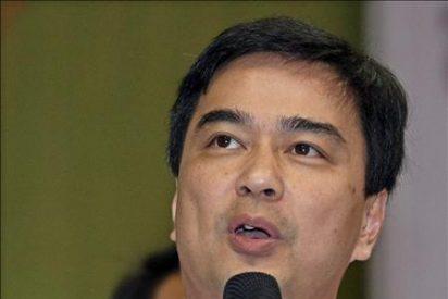 El primer ministro tailandés interviene en una protesta pese al estado de excepción