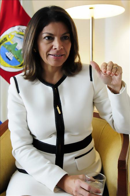 """Chinchilla pide a Colombia y Venezuela diálogo """"bilateral"""" y """"bajar el tono"""""""