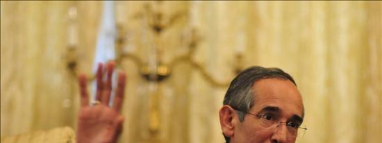 Colom hace votos para que Santos avance en el proceso de paz interno y externo