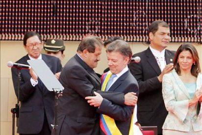 Juan Manuel Santos es investido presidente de Colombia
