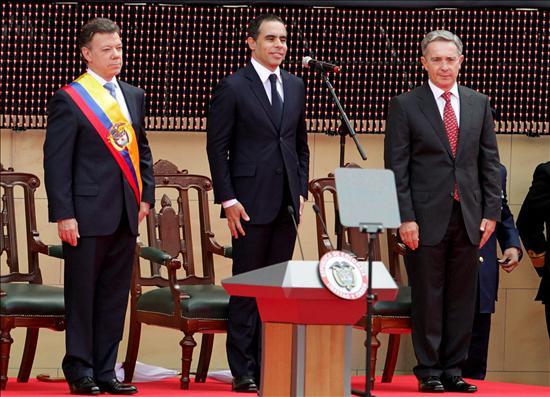 """Santos dice a las FARC que está """"abierto"""" al diálogo para poner fin a la violencia"""