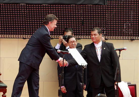 Santos dice que su prioridad es reconstruir las relaciones con Ecuador y Venezuela