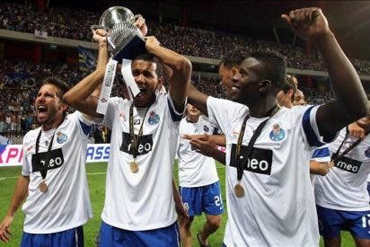 El Oporto supera a un gris Benfica (2-0) y se alza con la Supercopa lusa