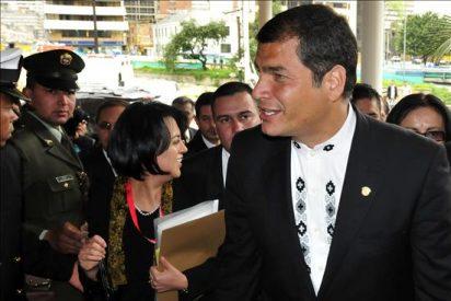 """Correa dice que Colombia le entregó los computadores incautados a """"Raúl Reyes"""""""