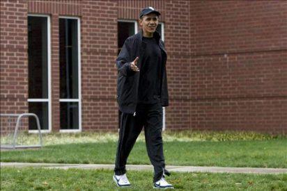 Obama continúa el festejo de su 49 cumpleaños con un juego de baloncesto y una barbacoa