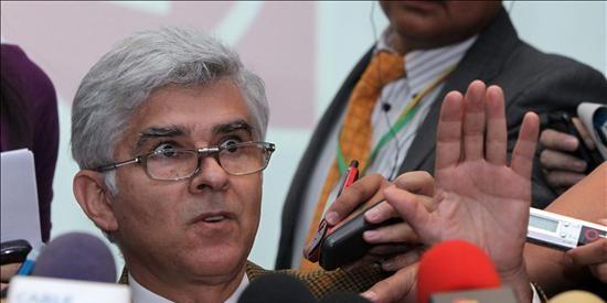 El vicepresidente colombiano sufre un infarto y será intervenido del corazón