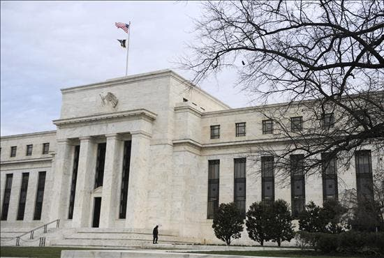 La Reserva Federal de EE.UU. reitera el compromiso de las bajas tasas de interés