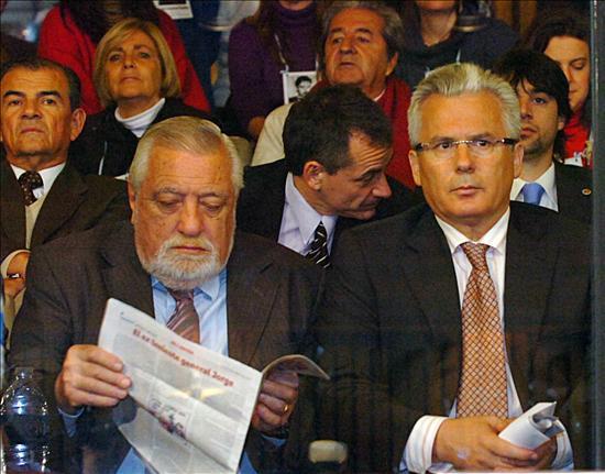 El juez Garzón es increpado en el juicio contra el dictador Videla