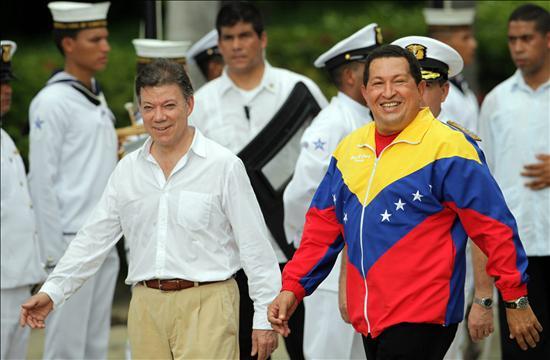 Santos y Chávez restablecen las relaciones diplomáticas y el compromiso en la frontera