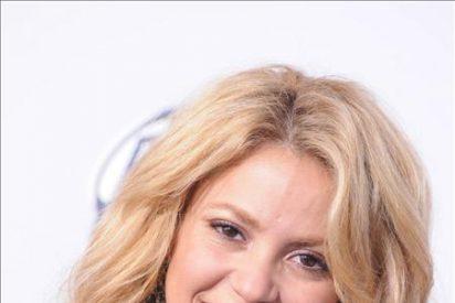 Shakira, Eva Longoria y Salma Hayek diseñan mochilas por una causa benéfica