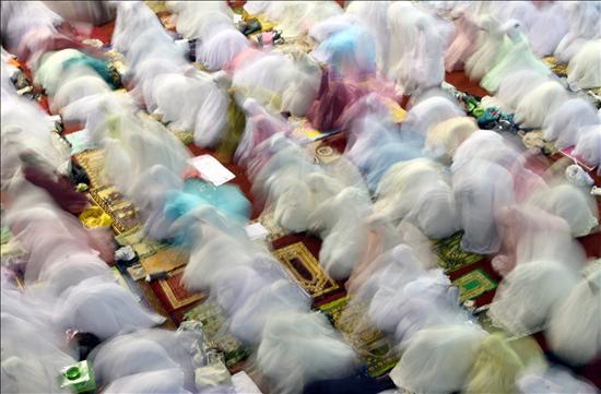 Los musulmanes del mundo árabe empiezan el Ramadán, este año en pleno verano