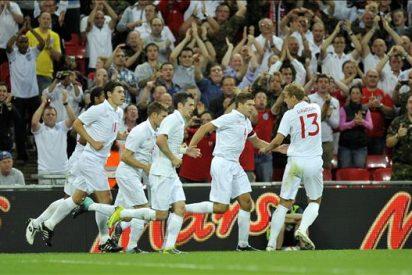 2-1. Inglaterra recupera su confianza con dos goles de Steven Gerrard ante Hungría
