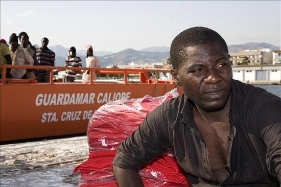 Rescatados 25 inmigrantes a bordo de una patera en Almería