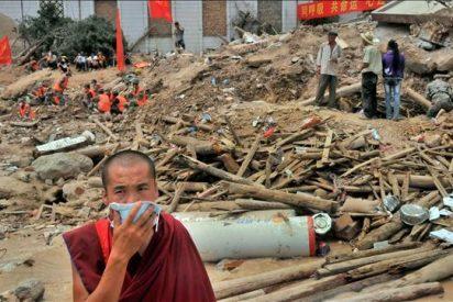 Al menos cinco muertos y 500 desaparecidos bajo alud por las lluvias en China