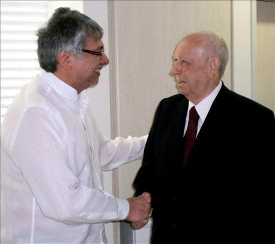Lugo comienza el tratamiento para el cáncer en Brasil con la mente en gobernar