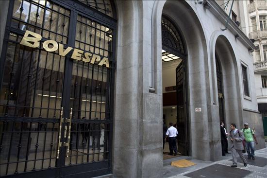 Los mercados latinoamericanos registran ganancias y Wall Street pierde terreno