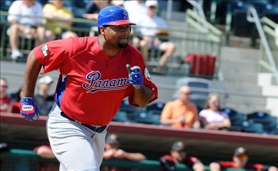 4-1. Lee enciende el ataque de los Astros con jonrón