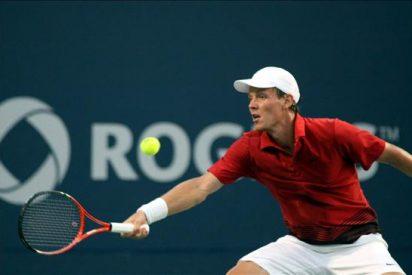 Djokovic y Federer vencen y se enfrentarán en las semifinales de Toronto