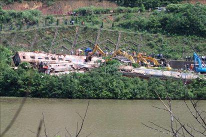 Once personas muertas al descarrilar un tren en el norte de China
