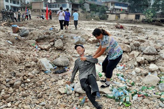 China declara un día de luto nacional por las víctimas de las inundaciones