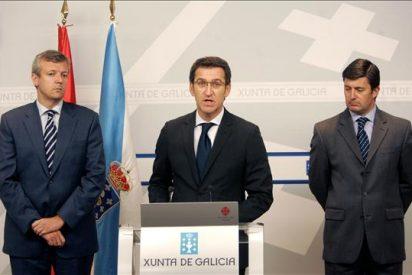 """La Xunta acusa a los """"incendiarios"""" de matar a dos agentes y pide colaboración"""