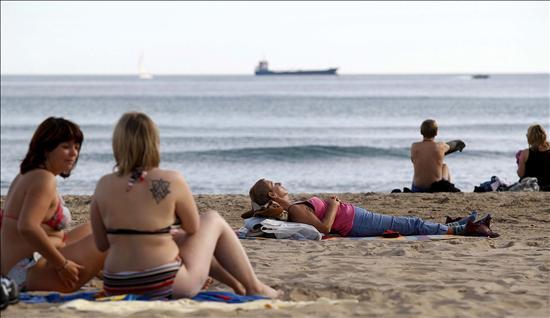 Hallan el cadáver de un varón, al parecer magrebí, en una playa de Alicante